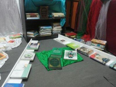 برگزاری نمایشگاه کتاب به مناسبت هفته کتاب وکتابخوانی
