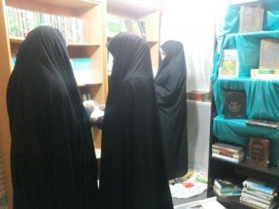 برگزاری نمایشگاه کتاب به مناسبت هفته کتاب وکتابخوانی به مدت یک هفته..