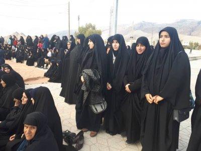حضور در همایش همگانی به مناسبت دهه فاطمیه وشهادت سردار